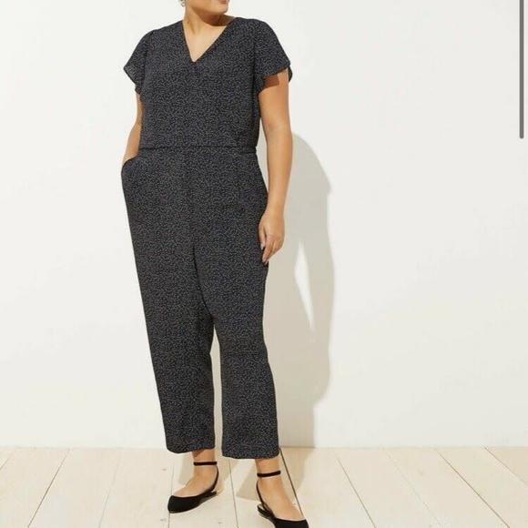 Size 24 polka dot pattern Loft super cute black Jumper//romper WITH POCKETS